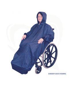 De rolstoel poncho met mouwen MAC blauw een ideaal kledingstuk om u te beschermen tegen weer en wind.